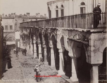 Rue pres de la mosquee Nouri Osmanie 206. 1890s