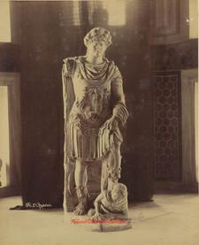 Hadrien 27.1900s