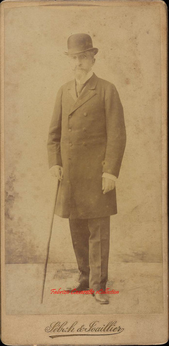 Homme barbu avec canne 1. 1890s