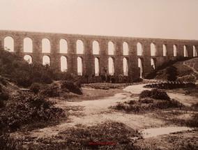Vue de l'aqueduc a Constantinople. 1890s