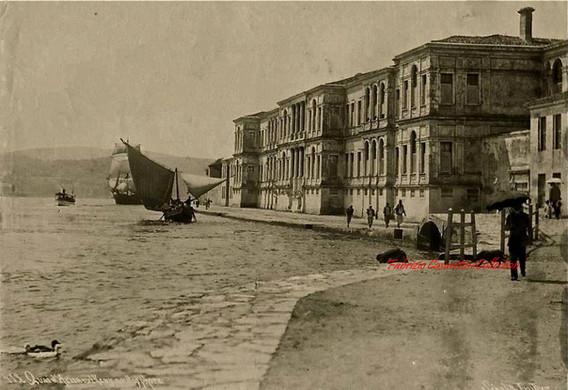 Quai d'Arnaout Keuy au Bosphore 413. 1890s
