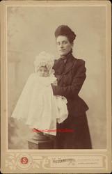 Bebe et sa maman. 1890s