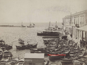 Entree du port et bureau des passeports. Smyrne 4. 1890