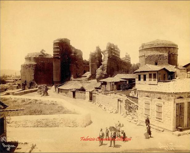 Vue generale de la Basilique Rouge. Pergame 37. 1890