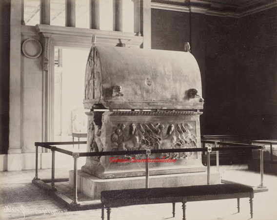 Sarcophage Lycien. Ensemble 64. 1900s