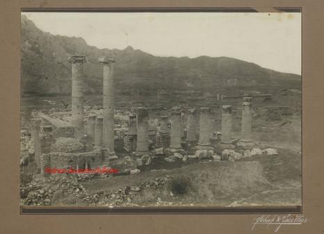 Ruine du Temple d'Artemis a Sardis. 1890s
