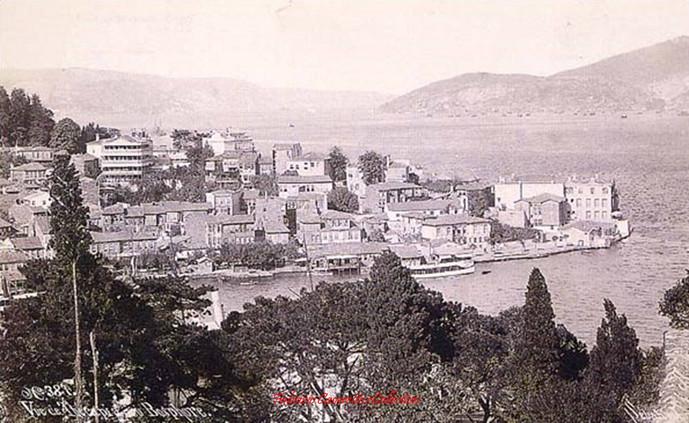 Vue de Therapia au Bosphore 387. 1890s