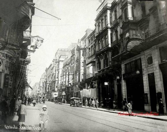 Grande rue de Pera. 1910s