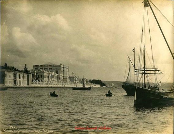 Palais Imperial de Dolma Bagtche, Bosphore 337. 1890s