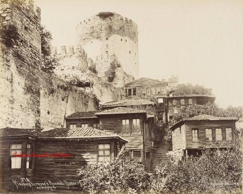 Maisons turques a Roumeli Hissar au Bosphore 375. 1890s