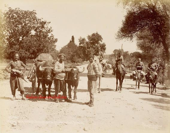 Paysans turcs arrives a Brousse par la grande route d'Anatolie 110. 1890s