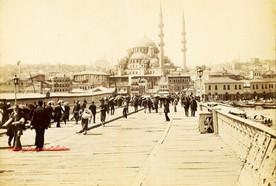 Le pont de Galata 43. 1890s