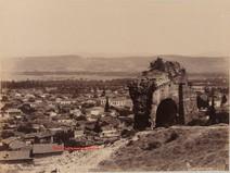 Varan Kapou. Porte du theatre Romain. Pergame 32. 1890