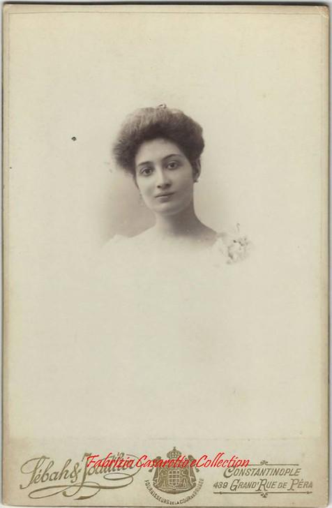 Une femme 2. 1890s