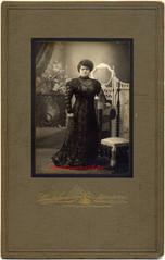 Une femme europeenne. 1900s