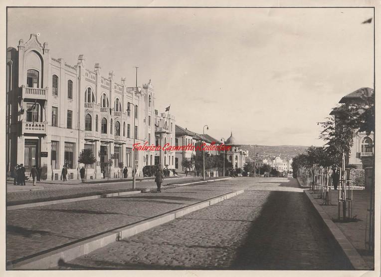 La rue des Ministeres a Ankara. 1930s