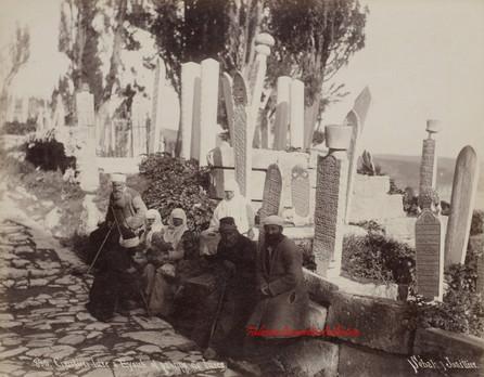 Cimetiere turc a Eyoub et groupe de turcs 890. 1890s