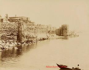Vue des murs a Tchatladi Kapou, 8. 1890s