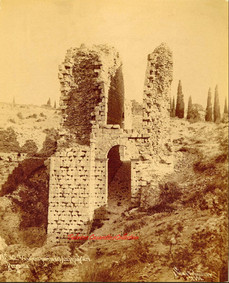 Vue d'une partie de l'Amphitheatre. Pergame 42. 1890