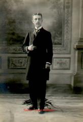 Kirkor Osguian. 1900s