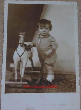 Un petit garcon. 1910s