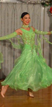 スタンダードドレス 黄緑.jpg