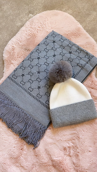 Reversible grey scarf