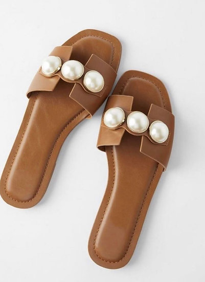 Tan & Pearl slider