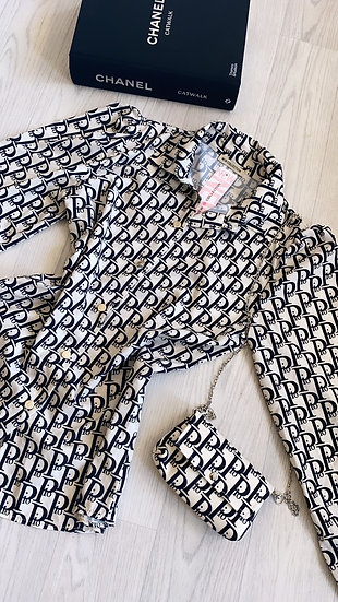 Letter blouse with bag