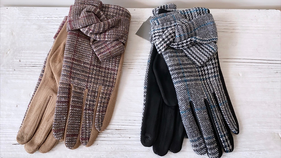 Checked bow gloves