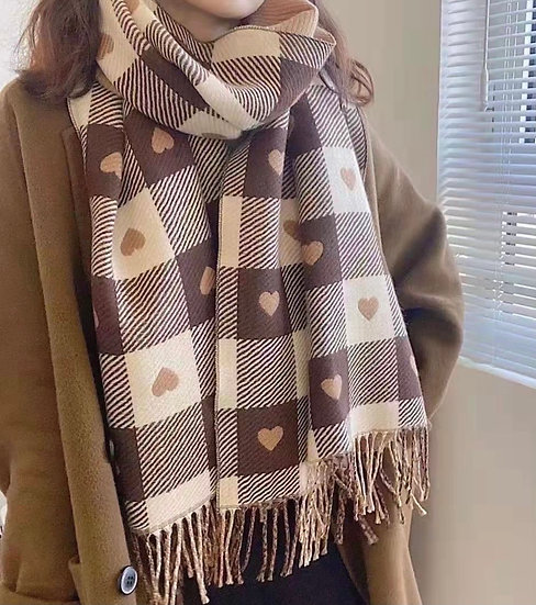Wooly heart scarf
