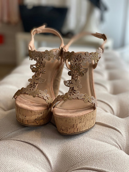 Rose gold jewel wedge