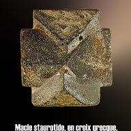 macle staurolite + grecque.JPG
