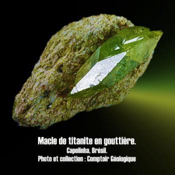 Titanite macle en goutière.