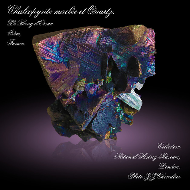 2021 - Avril - Chacopyrite maclée avec quartz.