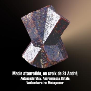Staurolite macle en croix de St André 60°.