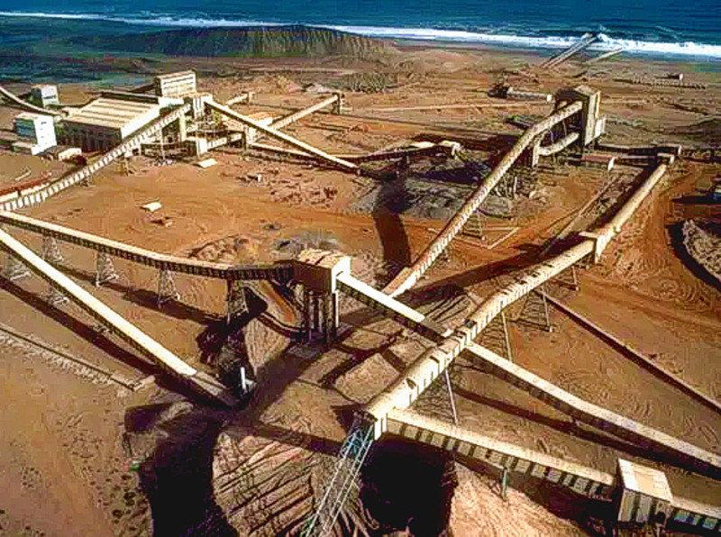 Installations des mines de diamants des sables en Namibie.