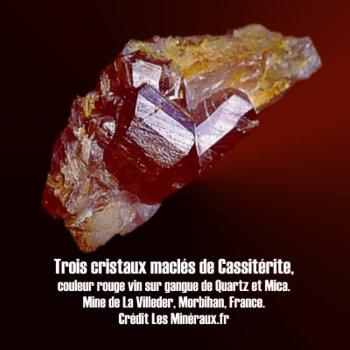 Cassiterite macle cyclique à 3 cristaux.