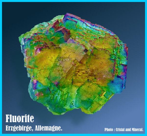 Fluorite  multicolore, d'Erzgabirge en Allemagne.