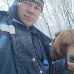 TVERAIF: Награжден летчик, который спас медвежонка Мансура в Тверской области