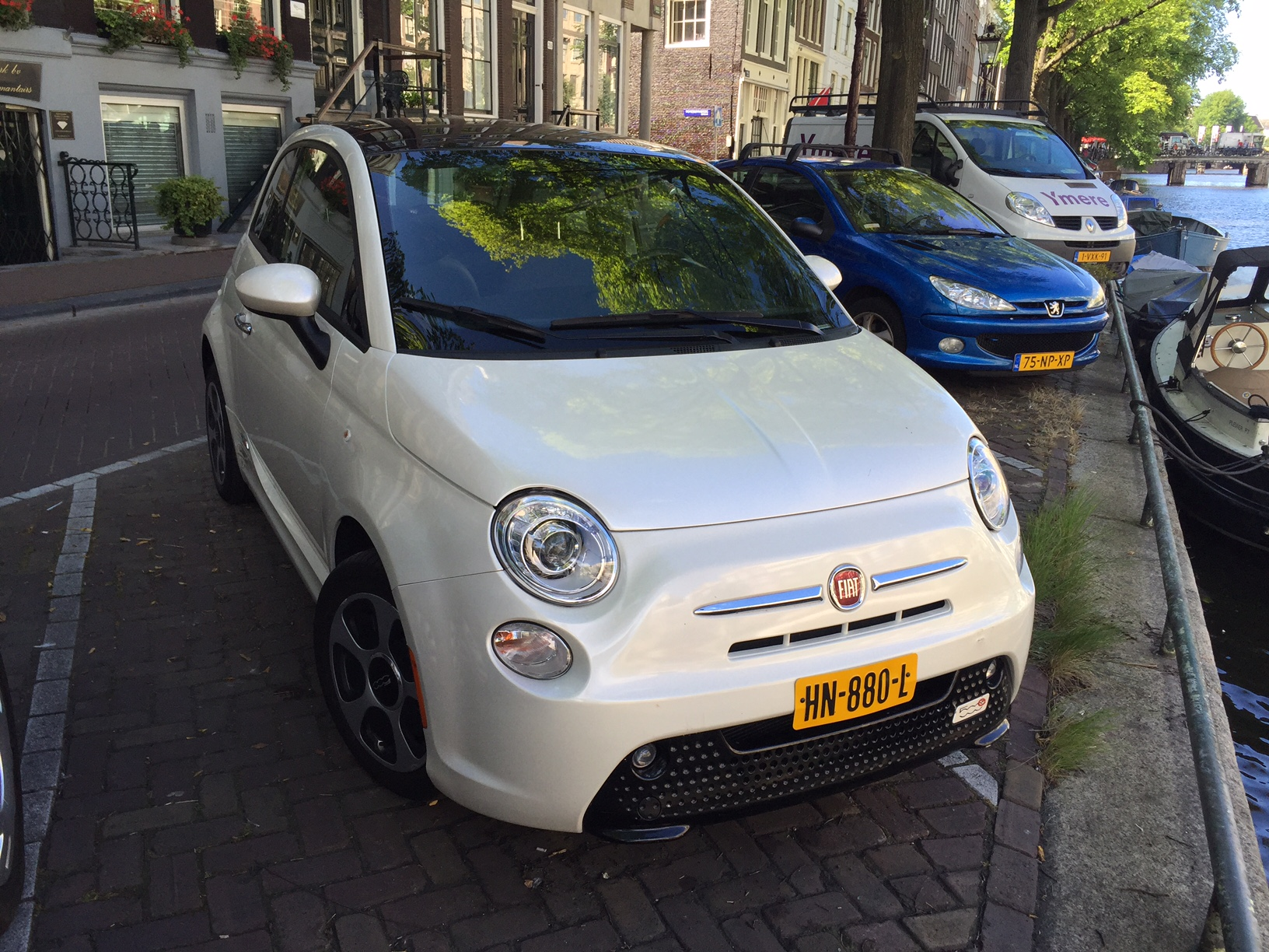 500e Bianco Perla tricoat Amsterdam