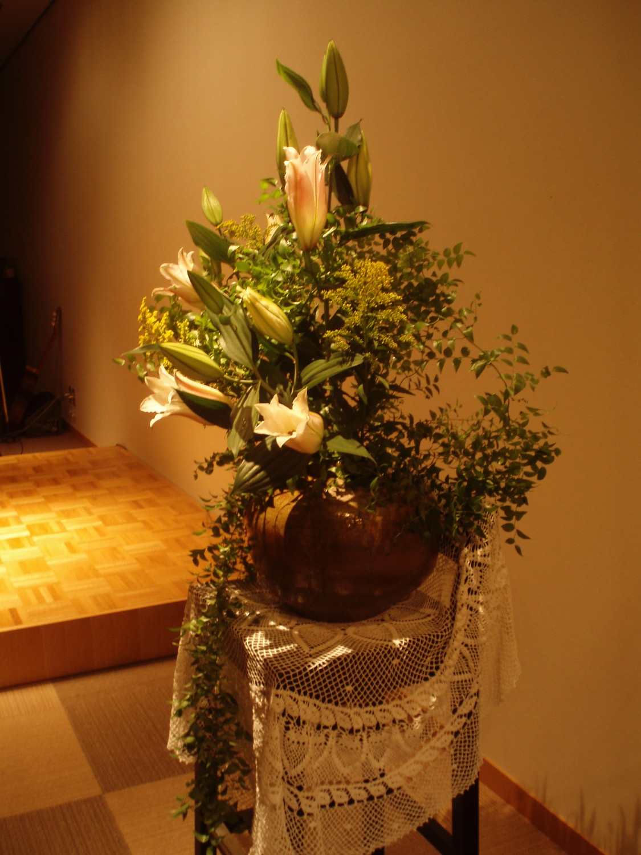 2011/6/12、聖日礼拝のお花