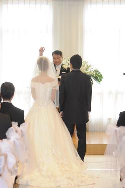 二階の礼拝堂で結婚式