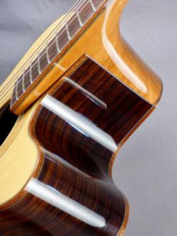 Cantilever neck design