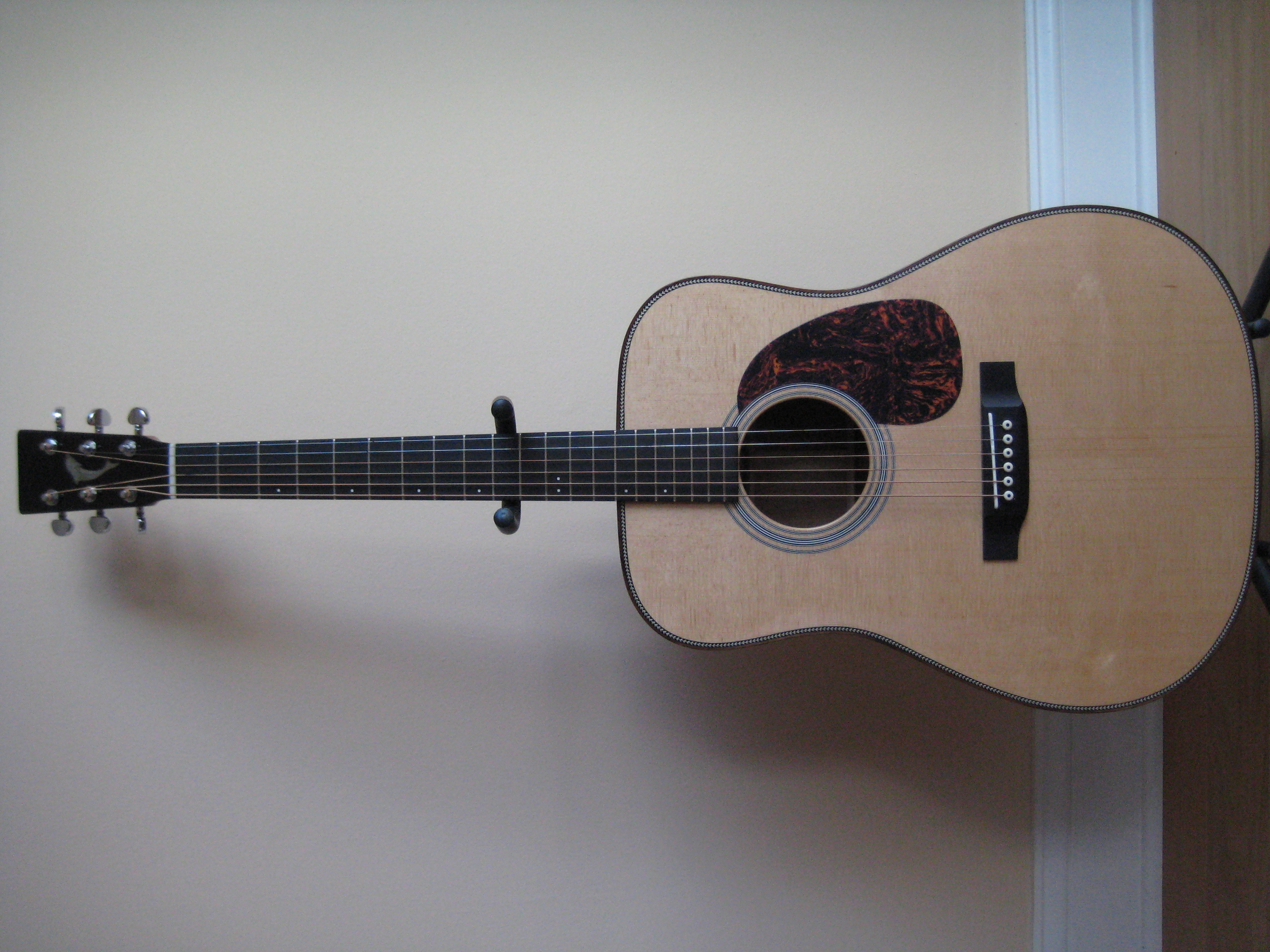 Ribbon stripe sapele dreadnought