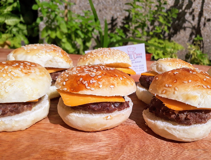 MINI BURGER CON CHEDDAR