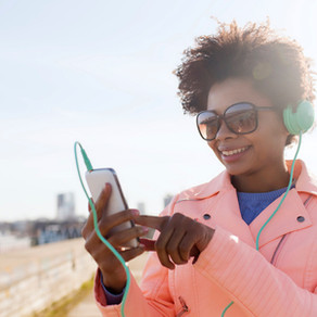 What Seasoned Advertisers Can Learn from Podcast Advertising