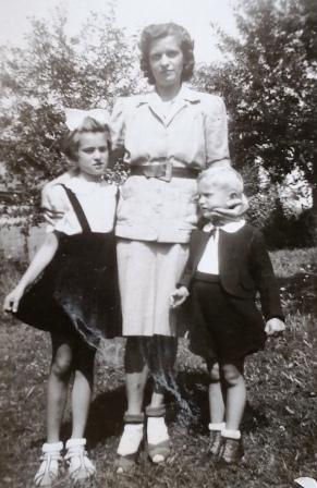 Charles Pallaghy with mother and sister Hungary 1943 on creation6000.com