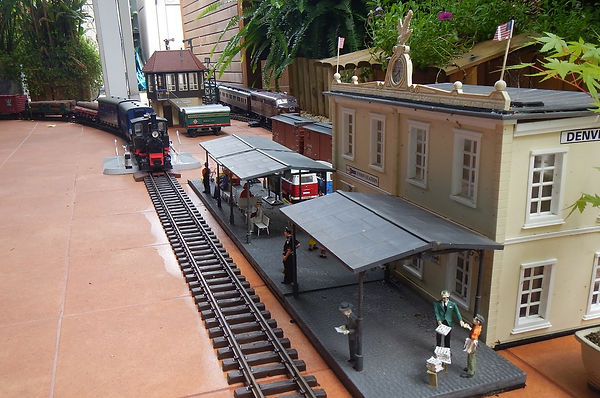 G-gauge model railway set of Charles Pallaghy on creation6000.com