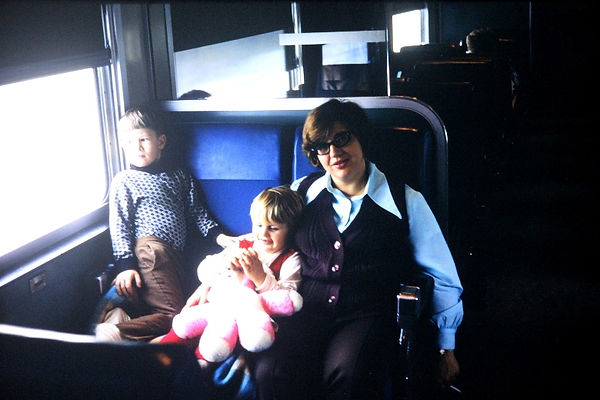 Pallaghy family on route from East Lansing to Chicago in 1971 on creation6000.com